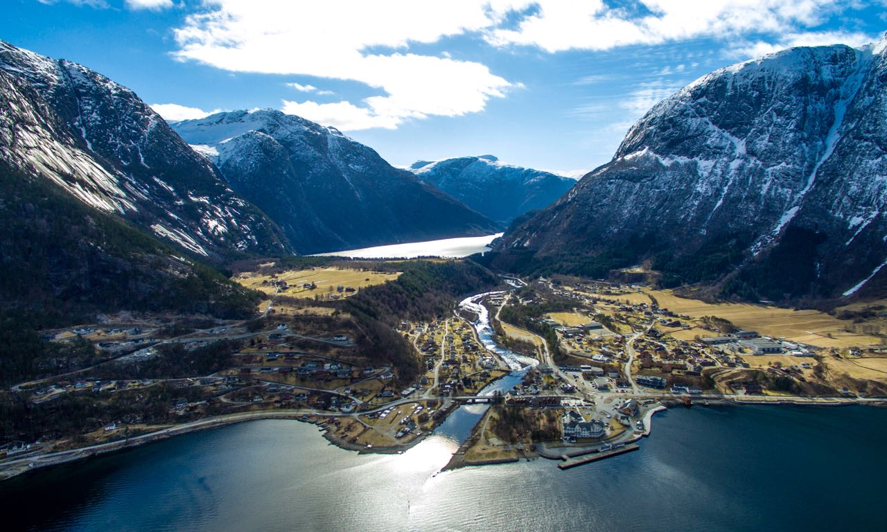 Eidfjord-sentrum-2016-Foto-Destinasjon-Eidfjord